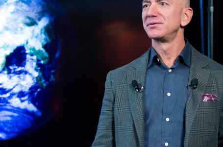 Jeff Bezos is stepping down as Amazon CEO. Here's how he became the world's richest person