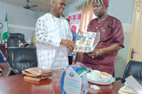 APEX REPORTERS MAGAZINE AND ONLINE SECURITY NEWS PUBLISHER, OTHERS VISIT: Executive chairman, Comrade Lasisi Ayinde Akinsanya.