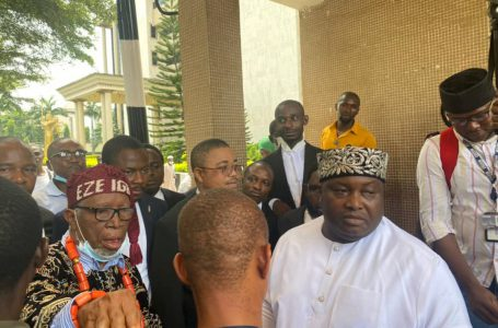 SECURITY OPERATIVES DENY SENATOR IFEANYI UBAH ACCESS INTO THE FEDERAL HIGH COURT PREMISES FOR NNAMDI KANU'S TRIAL